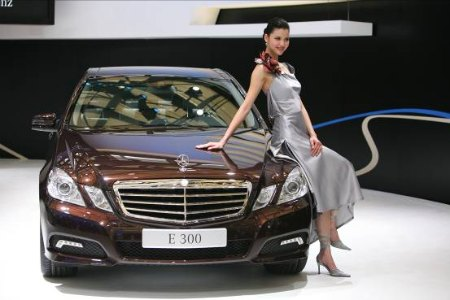 China's 2010 auto sales up 32% to hit 18.06 million units