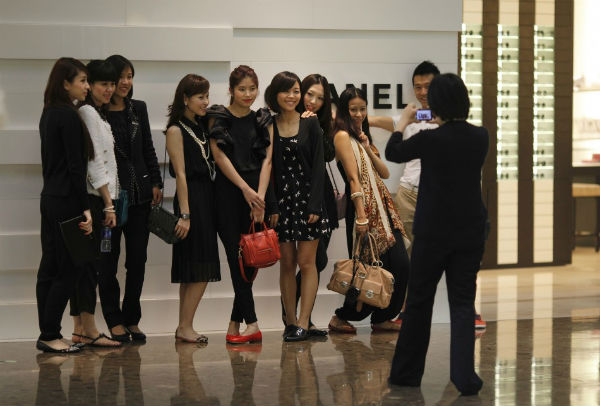 2% Chinese Consumed One Third of Global Luxury Products
